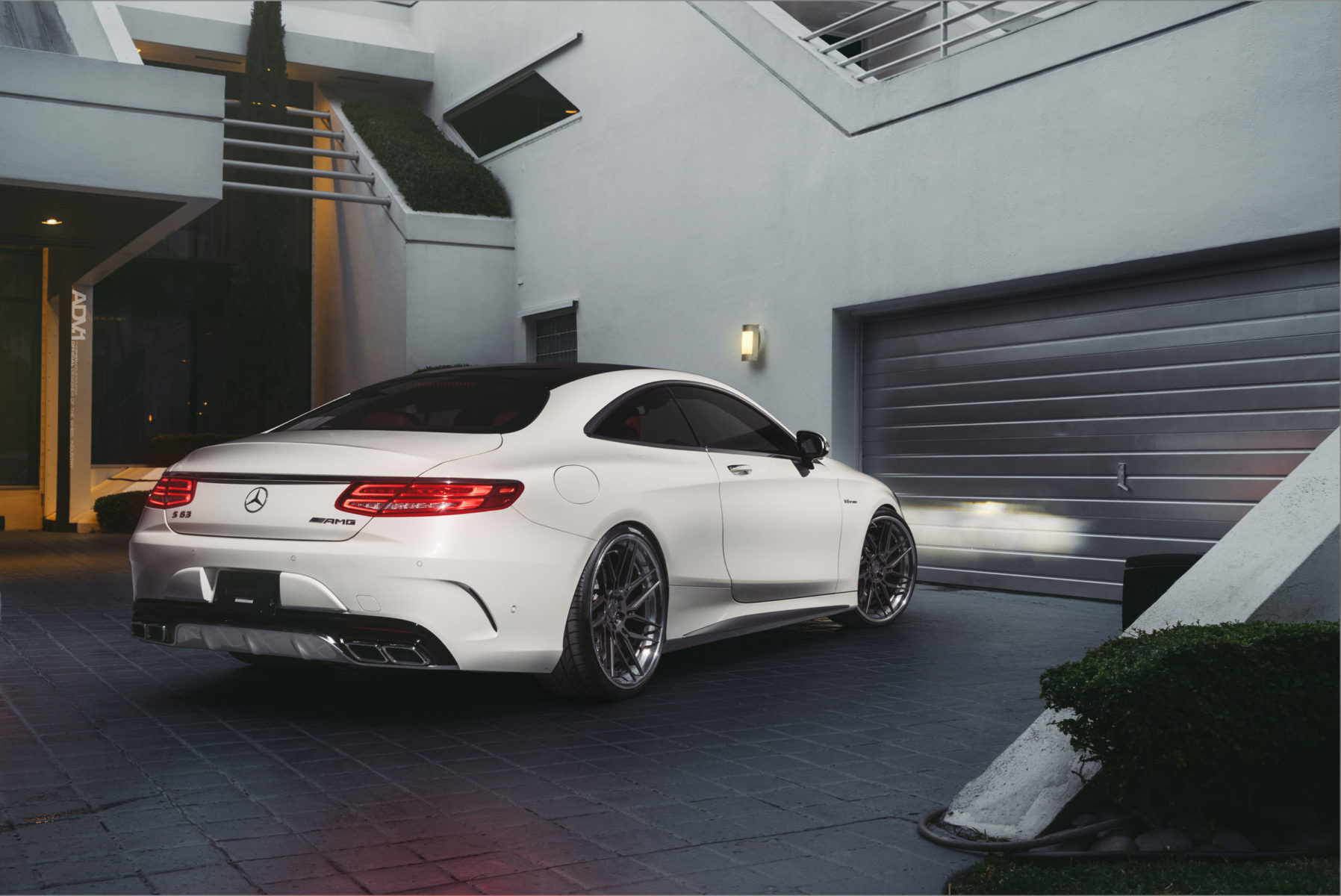 mercedes s coupe snow white and the 7r 39 s adv 1 wheels. Black Bedroom Furniture Sets. Home Design Ideas