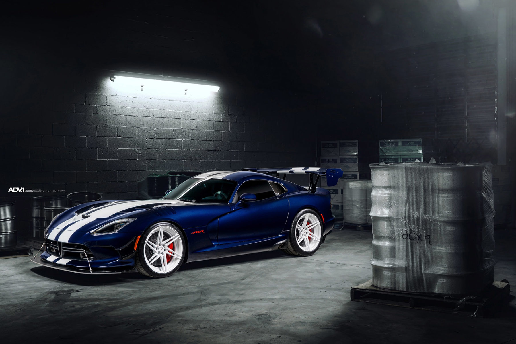 Dodge Viper ACR - ADV06R M.V2 CS Wheels