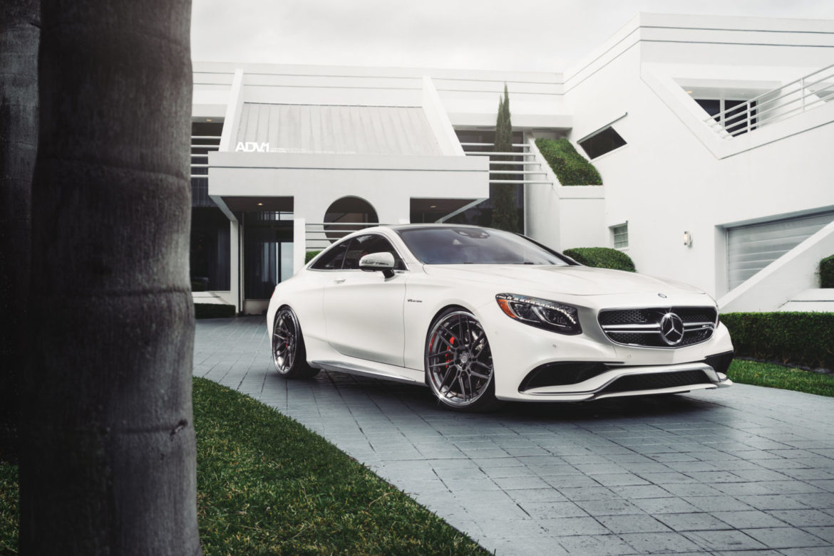 White Mercedes S63 AMG - ADV7R Track Spec CS Series Wheels | 22x9.5 Front | 22x11 Rear | Finish Disc: Matte Gunmetal | Finish Lip: Polished Aluminum w/ Gloss Clear