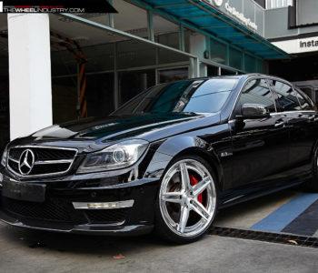 Black Mercedes C63 AMG – ADV5 Track Spec CS Wheels – 2 Tone Brushed Aluminum