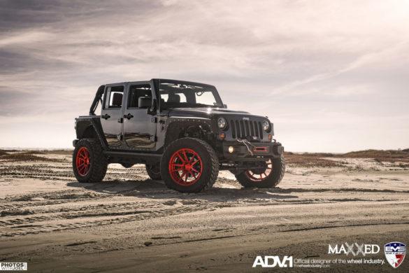 Jeep Wrangler JKU - ADV5.2 M.V2 SL Brushed Aluminum / Gloss Red Concave Wheels