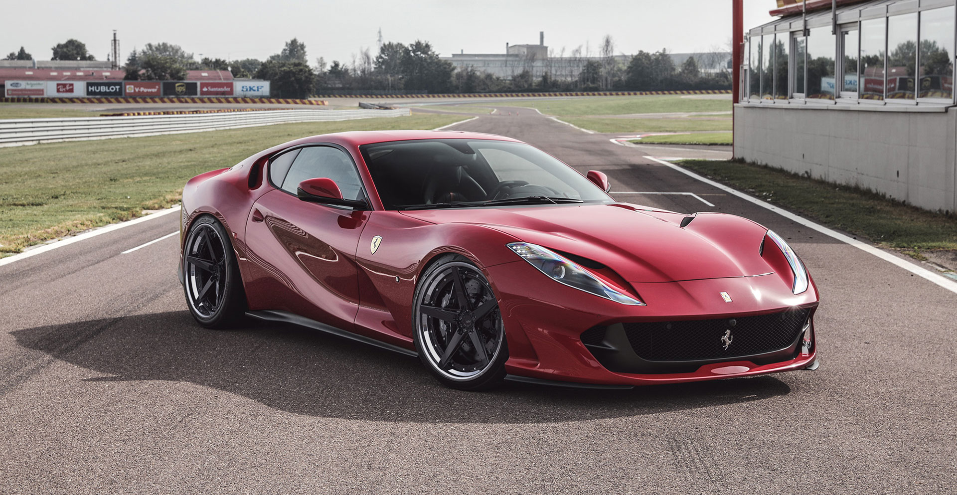 Rendering Ferrari 812 Superfast Adv 1 Wheels