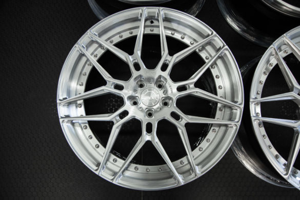 ADV7 M.V2 CS Wheels – Audi RS7 – Brushed Alum. w/ Gloss Clear