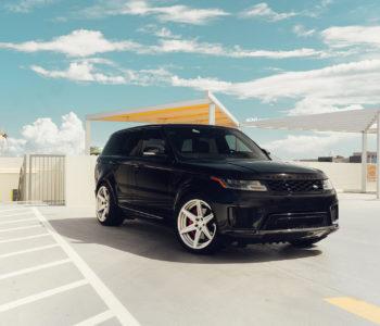 Black Range Rover SVR – ADV6 M.V2 SL Wheels