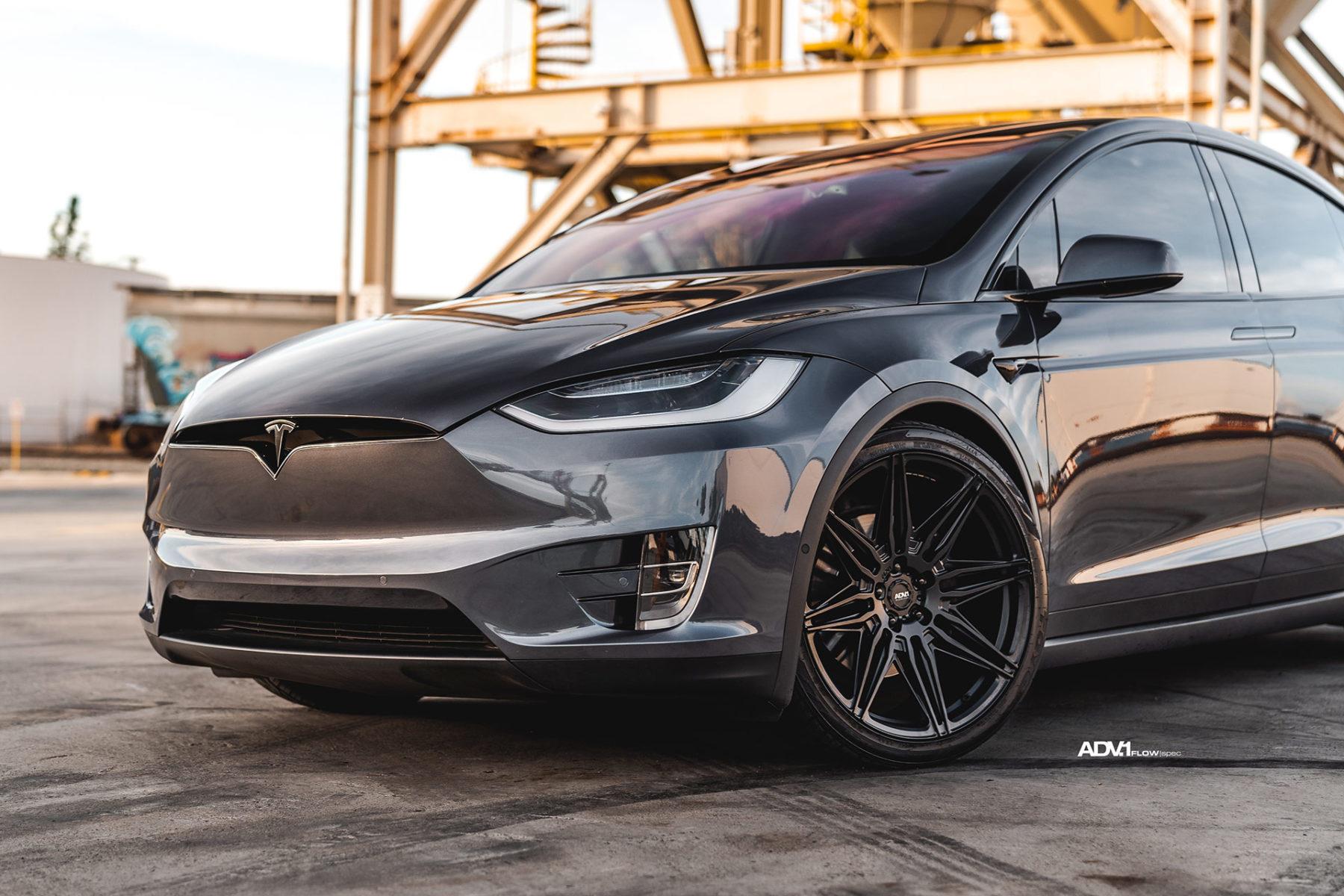 Midnight Silver Metallic Tesla Model X - ADV08 FLOWspec Wheels