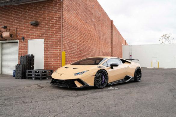 Tan Lamborghini Huracan Performante – ADV10 M.V2 CS Series wheels in Gloss Black