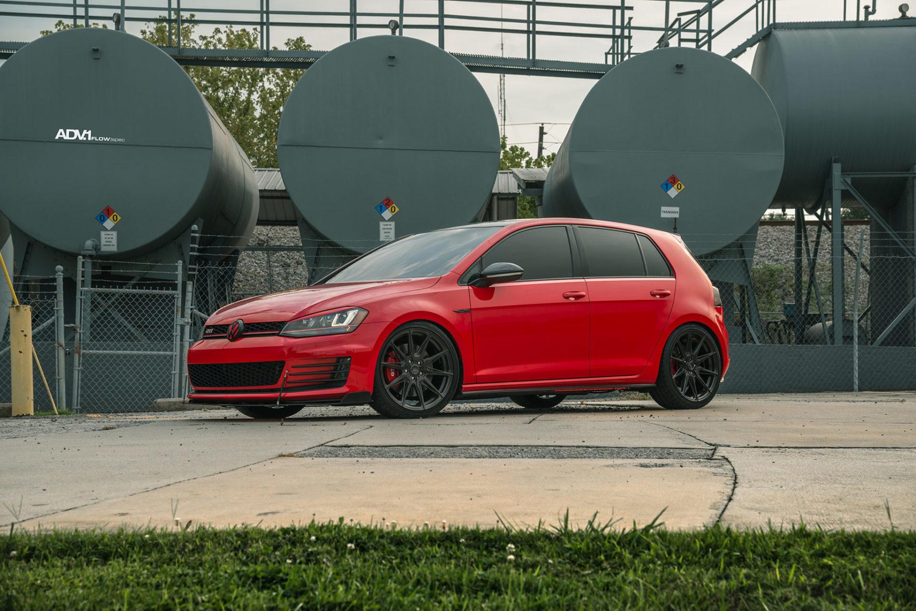 VW Golf MKVII GTi - ADV5.0 FLOWspec wheels in Liquid Brush Smoke