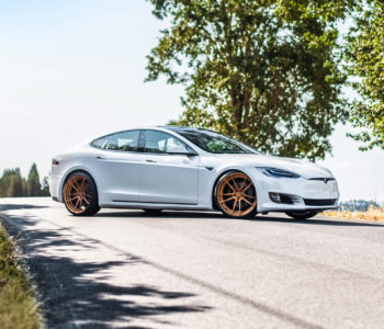 Pearl White Multicoat Tesla Model S – ADV5.2 M.V2 CS Series Wheels